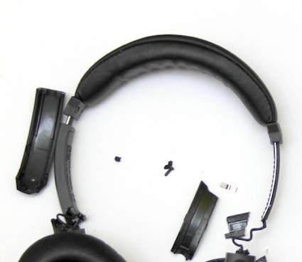 broken_headphones.png